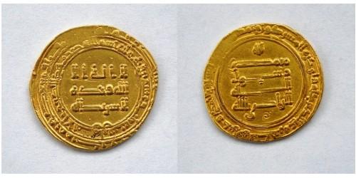 Династия Аббасидов, 934-940 годы, AV динар. Вес 5,52 грамма. Диаметр 22 мм.